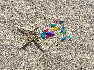 La UE busca prohibir el 90% de los contaminantes microplásticos