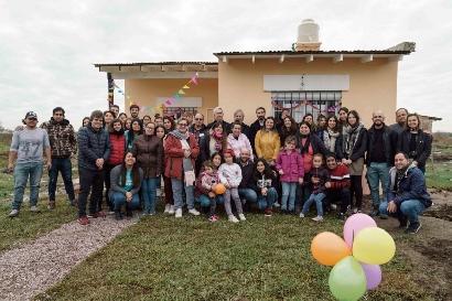IRSA entregó la tercera casa que construyó junto a Hábitat para la Humanidad Argentina