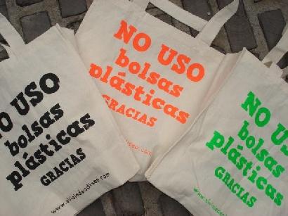 Las bolsas reutilizables copan la Capital